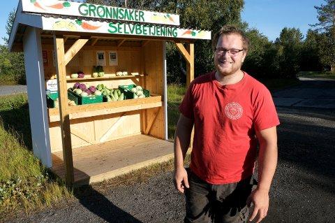 LYKKEBODEN: Det enkle har vist seg å være det beste for grønnsaksdyrkeren Robert Innes i Målselv.