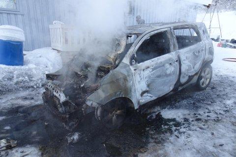 UTBRENT: Slik så bilen ut da brannen var slukket.