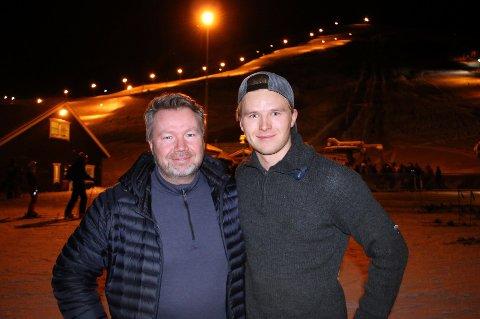 MÅTTE STENGE: Daglig leder Jon Reidar Håkonsen (t.v) og driftsleder Jesper Kufaas (t.h) måtte stenge alpinanlegget i Kroken på grunn av regn og mildvær. Det taper Tromsø Alpinpark mye penger på.