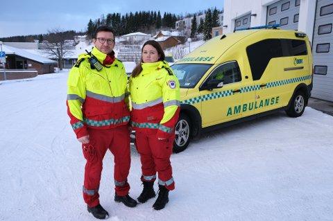 ETTERLYSER VAKSINE: Verneombud Robert Olsen og tillitsvalgt Marielle Rydheim i ambulansestjenesten i UNN,  område 4 på Finnsnes.