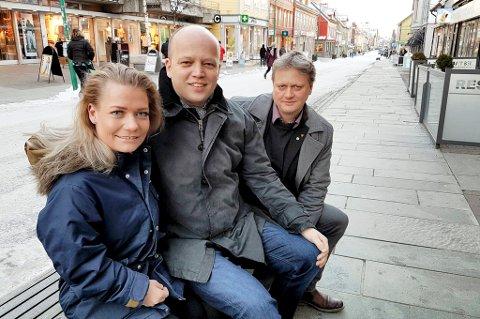 FRAM: Både Sandra Borch og Ivar B. Prestbakmo kommer inn på Stortinget hvis Sp får ei oppslutning i tråd med den siste meningsmålinga. Her sammen med partileder Trygve Slagsvold Vedum under et tidligere besøk i Tromsø.