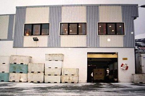 OVERNATTING: Det blir ny virksomhet i det gamle fiskebruket som ikke har vært i drift på mange år.