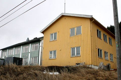 NY EPOKE: Det over 60 år gamle kommunehuset er nå lagt ut for salg.