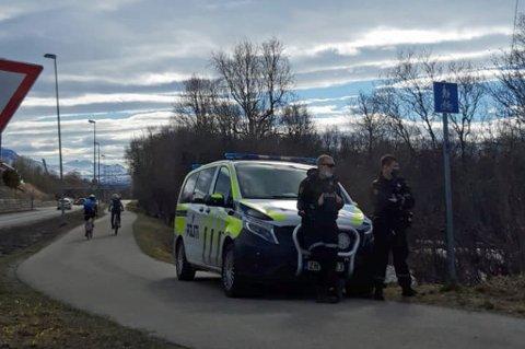 KONTROLL: Høy kontrollaktivitet til tross, politiet tar stadig bilister som prøver seg på snarveien ut fra Langnes.