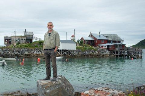ROPER VARSKU: Daglig leder Georg Blichfeldt i Kråkeslottet Senja AS sier virksomheten kan bli lagt ned hvis ikke reguleringsplanen sikrer parkeringsarealer og atkomst.