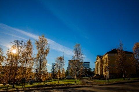 FINVÆR: Slike godværsdager har det ikke vært noen av i Troms så langt i høst. Bildet er tatt i fjor.