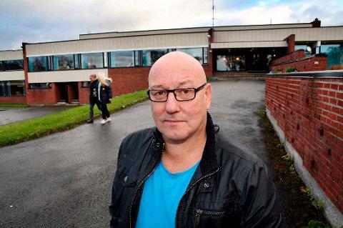 UTFORDRINGER: Ved skolen i Finnfjordbotn videregående samles elever fra flere kommuner: – Om lag 70 prosent kommer utenfra, sier rektor Stein-Erik Svendsen.