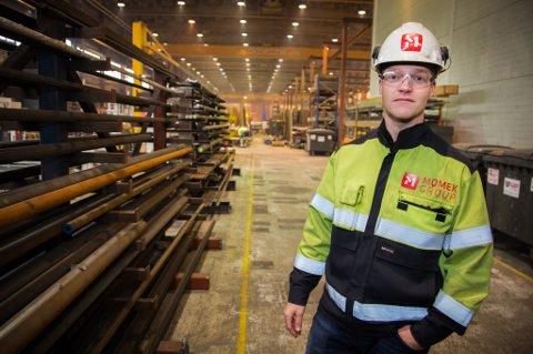 SJEF: Alexander Johansen er daglig leder for Momek Personnel. En av oppgavene hans er å sørge for at de høyst kursede og sertifiserte arbeiderne får nok jobb. Ofte er løsningen å leie dem ut til andre prosjekter - gjerne i utlandet.