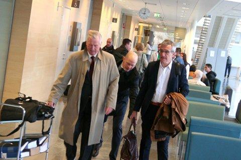 PÅ VEI INN I RETTEN: Advokatene Hans Strandberg, Olle Kullinger og tiltalte Boris Benulic. Foto: Rune Endresen