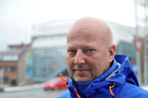 PÅ JAKT ETTER TARE: FMCs råstoffsjef Ole Damm Kvilhaug er invitert til Tromsø og Venstres landsmøte til helga. Onsdag møtte han representanter fra de biomarine forskningsmiljøene i byen, på jakt etter økt tilgang til stortare. FMC høster rundt 150.000 tonn stortare i året og omsetter for 1,1 milliarder kroner.