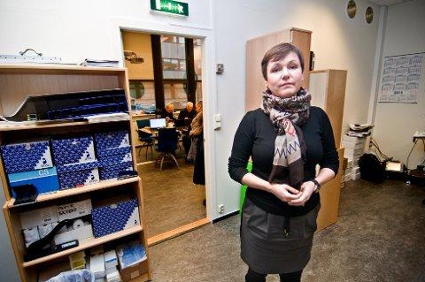 Toini Løvseth, styreleder i Troms fylkestrafikk, protesterer mot vingeklipping av styret. Foto: Jørn Normann Pedersen