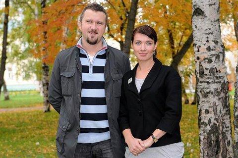 Har bedt om høyere lønn: Leder av Murmanskkontoret Alexey Filin og konsulent Maria Goman.