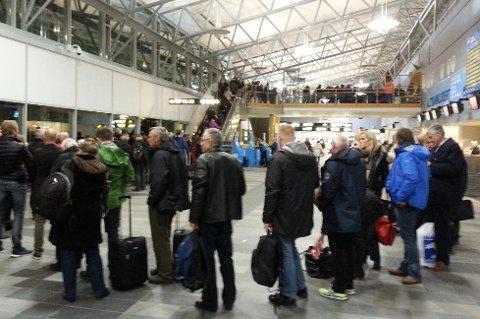 Tromsø lufthavn har tre minibanker med euro. Nå øker Nordea kapasiteten.