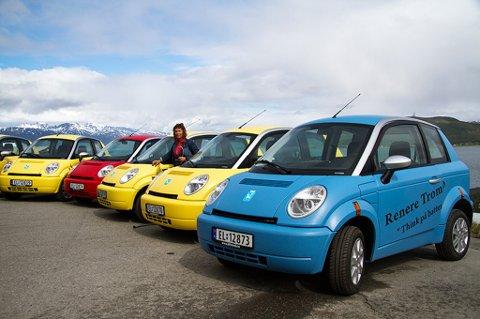Et prøveprosjekt med GPS-registrering av kjøring i Tromsø kommune har fått fagforeningen til å reagere. Bildet er fra da Tromsø kommune presenterte sin nye elbilpark. Hjemmetjenesten på Tromsøya er blant dem som bruker slike biler.