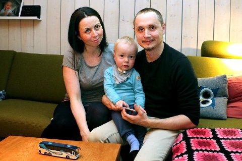 LANG KAMP. Nå ser det riktig flott ut i leiligheten på Rundvannet - men familien husker med gru ett år tilbake i tid da de måtte håndtere store fukt-og muggproblemer mens de tok seg av nyfødte  Matheo (2), som er født prematurt og har lungeproblemer.