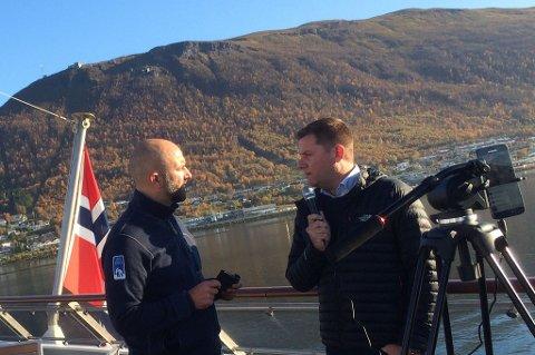 """FREMTIDENS INTRANETT: Hurtigrutens interne """"Skavlan"""" - Øystein Knoph - intervjuer sjefen """"live"""" i Tromsø og resultatet sendes direkte til flere tusen ansatte."""