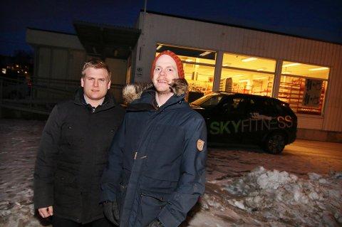 BEKREFTER: Kompisene Morten Jørgensen og Mats Ola Martinsen - begge økonomer - har store planer for nærings-og boligbygget på Fagereng i Tromsø.