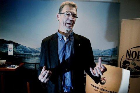 GÅR TIL SAK: Terje Martinussen gikk i fjor av som direktør i sjømatrådet etter to åremål på fem år. Etterpå har han vært et år i Spania og lært seg spansk - og nå slutter han.