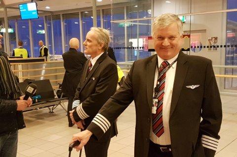 Ankommer Tromsø Lufthavn: Ola Giæver jr. Bak: Stig Thuv.