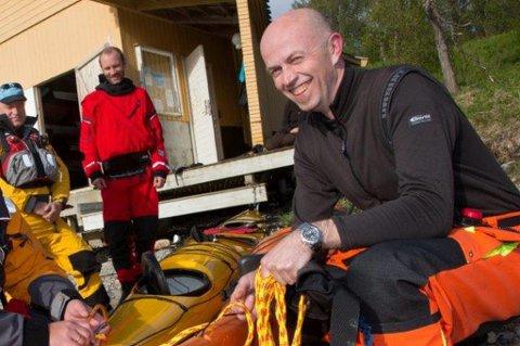 FLERE BEIN: Alf Andreassen selger kajakk, driver trafikkskole og konsulentselskap.