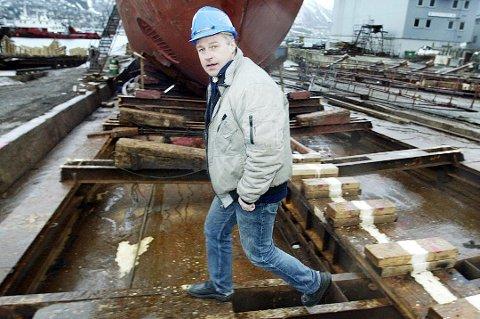 STOPPET I EIDKJOSEN: Tromsø Mekaniske AS har måttet stenge ned virksomheten i Eidkjonsen etter påpakning fra miljøvernavdelingen hos Fylkesmannen i Troms. Her er daglig leder Åge Hansen.