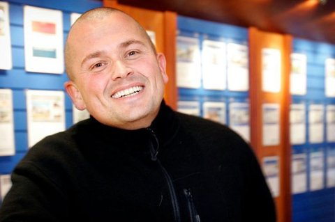 FRA MEGLER TIL INVESTOR: Thomas Bugge er tidligere eiendomsmegler - nå investor bosatt i Spania - med hyppige turer til hjembyen Tromsø.