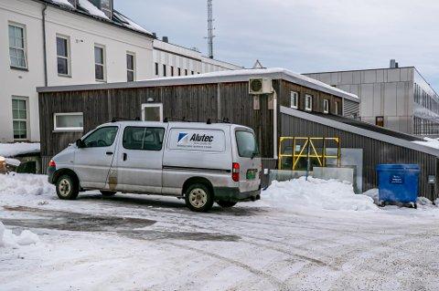 KONKURS: Byggefirmaet Alutec Nord, som har spesialisert seg på glass- og aluminiumsløsninger, har meldt oppbud. Ifølge bostyrer er gjelden oppgitt til å være 3,2 millioner kroner.