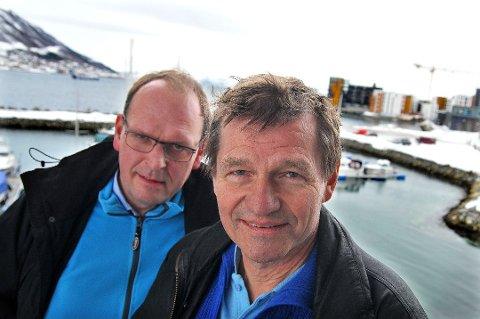 TRER FRAM: Anton Giæver (til venstre) og overtar Salve Dahles direktørstol i Akvaplan-niva.