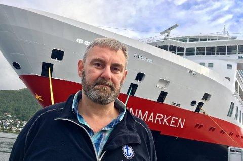 USIKKERHET: - Det er stor usikkerhet ute i flåten. Vi har vært forsiktig med å spre bekymringer, men vi har flere bekymringer i tilknytning til dette, sier Jørn H. Lorentzen til Nord24.no. Her foran MS Fiinnmarken som skal bli MS «Otto Sverdrup».