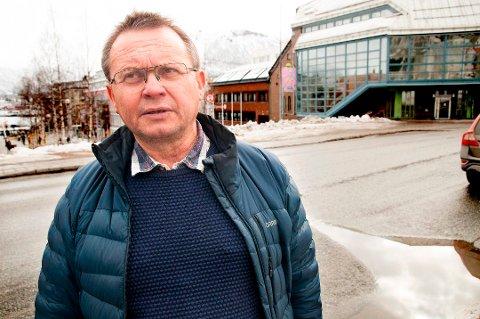 VIL BYGGE FOR SMITTEVERN: Knut Bjørklund har lang erfaring som prosjektleder for offentlige og private bygg. Han mener vi bygger stadig mer smittefarlige kontorlokaler, skoler og barnehager, og vil ha smittevern inn i Plan- og bygningsloven.