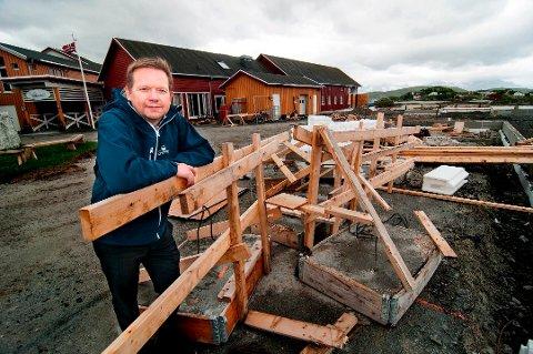 KORONAHJELP: Hotellet som Bengt Larsen er direktør på, Sommarøy Arctic Hotel, har fått mest kompensasjon i fylket.