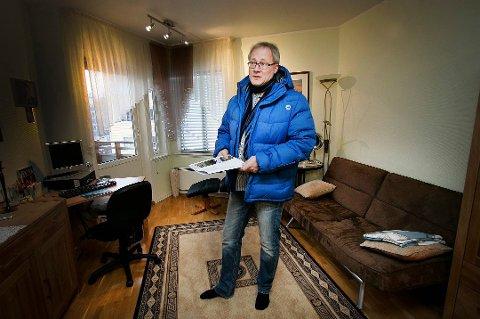 TØFFE TIDER: Børge Martinussen i Eie Tromsø har delvis permittert alle sine ansatte. Eiendomsmeglerne i Tromsø har kjent på nedgangstider, men rapporterer om bedre tall i mars enn fryktet.