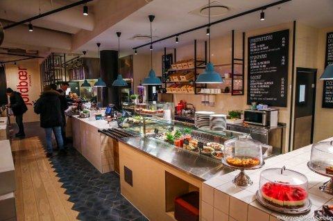 GÅR GODT: Kafeen på Jekta er blitt en pengemaskin for eieren. Også i 2019 ble det et solid utbytte for eieren fra Tromsø.