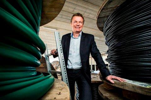 GIR UTBYTTE: Konsernsjef Semming Semmingsen i Troms Kraft har bokstavelig talt snudd skuta. Nå blir det et kjærkomment tilskudd til koronarammede kommunekasser i regionen.