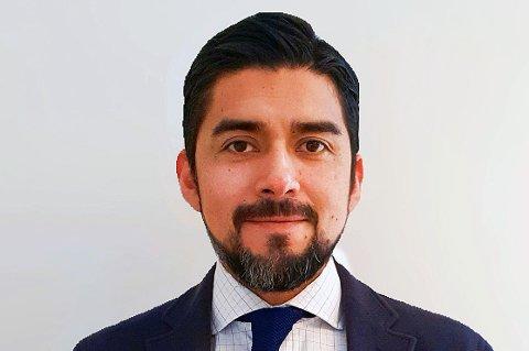 BANEBRYTENDE FORSKNING: Rogelio Andrade Mancisidor leverte en doktorgrad ved UIT om maskinlæring og kunstig intelligens som gir banker mer effektive og presise kredittvurderinger av fremtidige kunder.