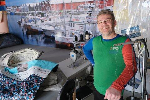 SØKER KJØPER: Stig Anton Karlsen selger bedriften han har bygget opp på Finnsnes siden 2013. Han håper å finne en kjøper som kan videreføre det han har begynt.