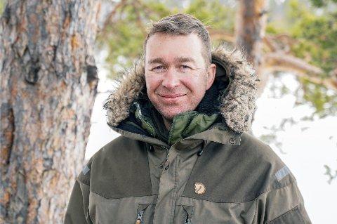 VILLMARKSSATSING: Espen Holmgren driver villmarksterapi av ungdommer som sliter med psykiske problemer. Selskapet hadde mer enn doblet omsetningen i 2020 fra 2019.