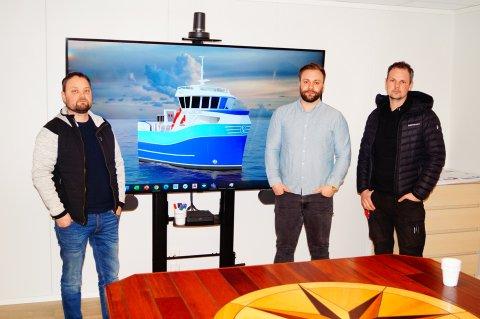 SAMARBEIDER: Tor Erik Lysø (Båt og Motorservice AS), Per-Ole Holm (Marin Design AS) og Rune Olsen (Viteq AS) har bidratt til utviklingen av en ny serie med hybridfiskebåter.