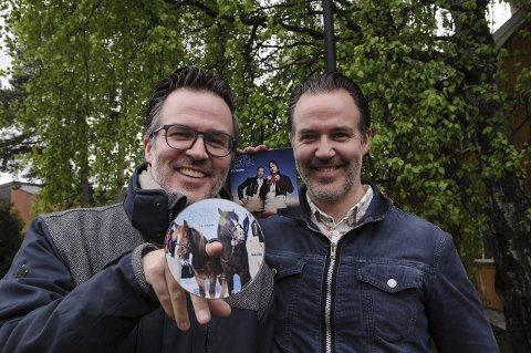 OSLO WORLD: Brødrene Knut og Ole Aastad Bråten er blant deltakerne på langeleikforestillingen som vises på Riksscenen til høsten .Foto: Ingvar Skattebu