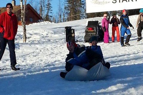 Ut i det fri: Synnfjellet lokker folk til fjells i vinterferien. Her fra akemoro på Synnfjellporten i fjor. Arkivbilde