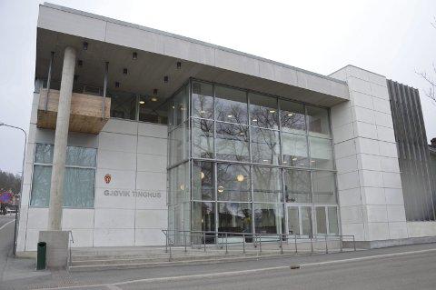 En kvinne i 30-årene ble idømt 22.500 kroner i bot, samt mistet førerkortet på livstid.