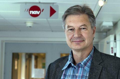 SØKER HEDMARKSJOBB: Helge Ødegård, leder i Nav Østre Toten. Foto: Asbjørn Risbakken.