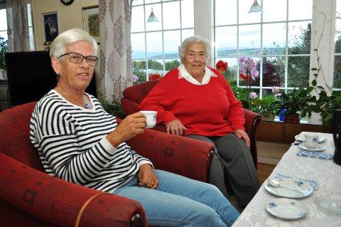 2- Besøkstjeneste, Vibeke Faye (f.v.) og Margit Fjordheim