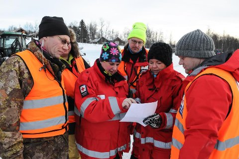 FLERE: Lørdag morgen startet 28 personer opp letingen etter Kjetil Reinli, og Øystre Slidre Røde Kors opplyser at flere vil slutte seg til letingen.