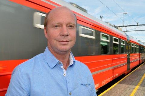 GJØVIKBANEN: Ketil Kjenseth påpeker at regjeringen vil ha brukt over 1,5 milliarder kroner på oppgradering av Gjøvikbanen de siste åtte årene, med investeringene som er foreslått i statsbudsjettet.