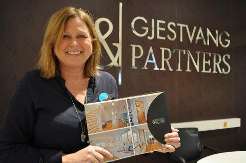 Salgsleder Runi Bjerke i Gjestvang & Partners sier det aldri har vært flere boliger til salgs i Gjøvik enn nå.