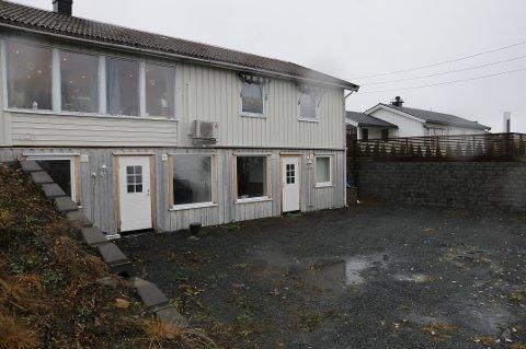 BRUKSENDRING: Kommunen mente først at denne tomta ikke egner seg for sokkeletasje, men etter at huseier sendte inn en ny søknad har han fått tillatelse til tiltaket.