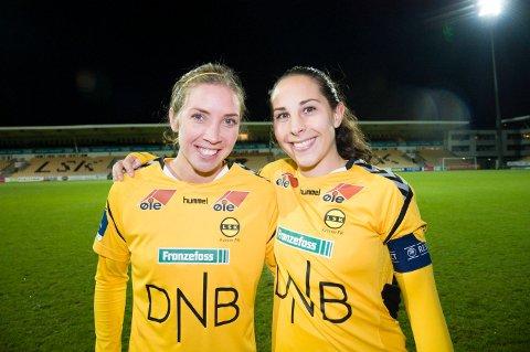 SUKSESS PÅ ROMERIKE: Ingrid Moe Wold (t.) og Marte Berget har gjennomført en god sesong med Lillesytrøm selv om Manchester City ble for sterke på hjemmebane.