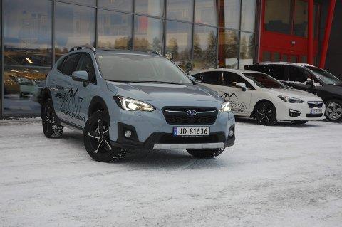 HER KOMMER VINTER'N – EH, VINTERBILEN: Med bensinmotor, automatgir, firehjulstrekk og offroad-modus er nye Subaru XV er klar for å ta deg gjennom vinteren.FOTO: ØYVIN SØRAA
