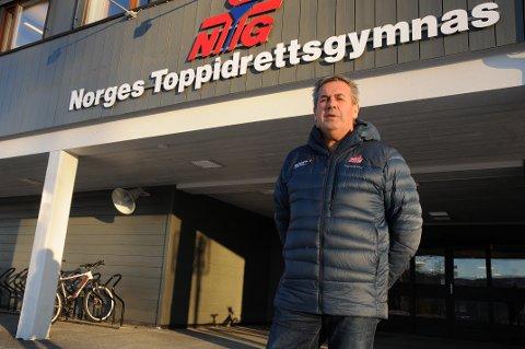 Daglig leder og sportssjef Trond Hårberg kan med tilfredshet konstatere at NTG leverer toppidrettsutøvere på løpende bånd. Foto: Tommy Gullord